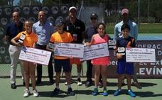 Jorge Aza y Alejandra Pinilla, campeones de Extremadura de tenis en categoría alevín