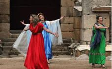 El grupo de teatro de IES Santa Eulalia actúa mañana en el festival grecolatino de Baelo Claudia