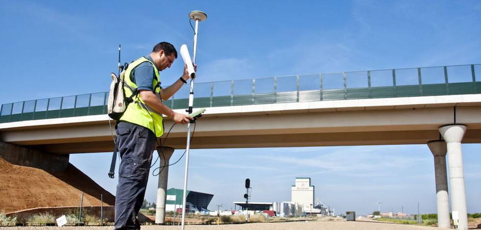 La licitación pública se dispara un 76% por las obras del ferrocarril
