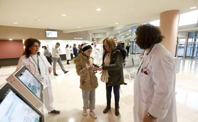 Más de 160 eventuales refuerzan la plantilla del nuevo hospital de Cáceres