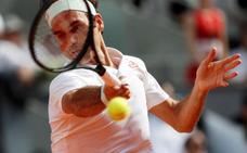 Federer pasa a cuartos tras salvar dos bolas de partido