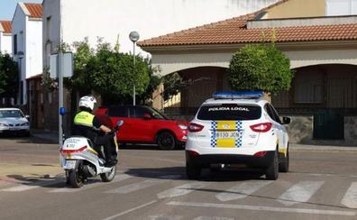 Dos detenidos en Talavera la Real por el robo de 35 ventanas en una promoción sin entregar