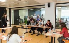 El Torneo de Debate de Don Benito reúne a más de 200 estudiantes