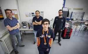 Un alumno del García-Téllez, en la élite de la robótica