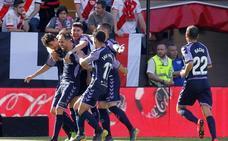 El Valladolid celebra su permanencia en Vallecas