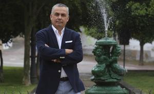 Ángel Pelayo: «Intenté poner un poco de racionalidad en el PP, hasta que vi que no era posible»