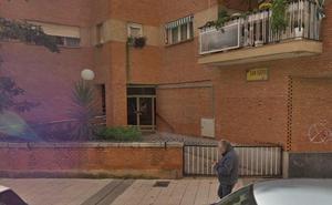 En estado grave una mujer de 30 años al precipitarse desde un cuarto piso en Badajoz