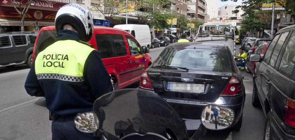 El servicio de grúa de Badajoz vuelve a funcionar tras cuatro días sin capacidad para retirar coches