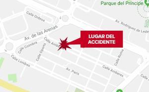 Herido con policontusiones un joven en Cáceres tras una colisión entre un coche y una moto