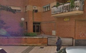 La mujer que cayó desde un cuarto piso en Badajoz permanece grave en la UCI
