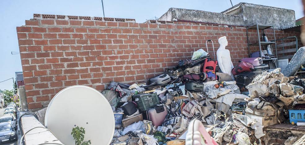 Los vecinos del Cerro de Reyes temen nuevos accidentes si no se vacía la casa que se derrumbó