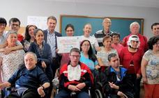 El instituto entrega a Aspace la recaudación de la carrera solidaria