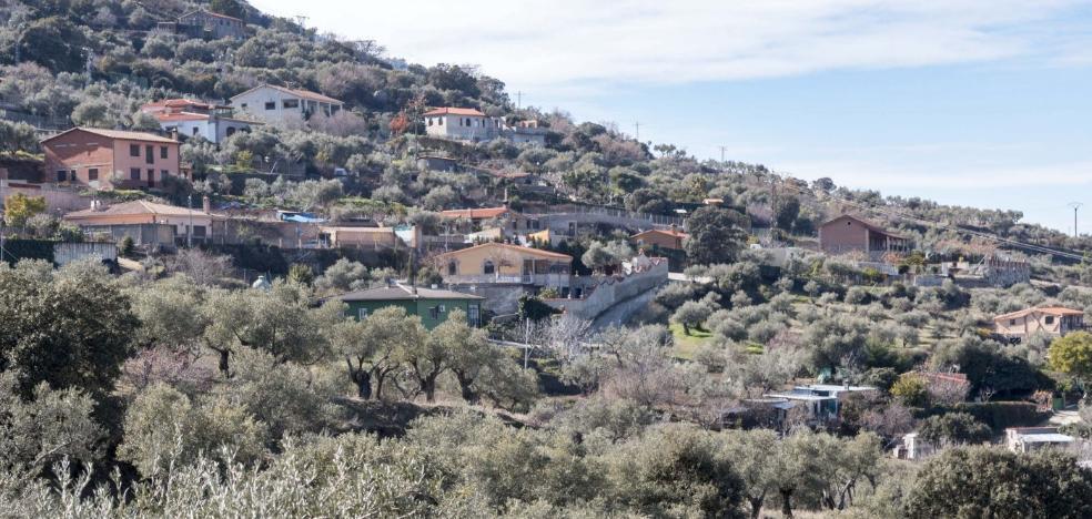 Comienza la regularización de las primeras 54 viviendas de la sierra de Santa Bárbara