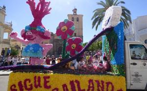 'Sigue bailando' gana el concurso de carrozas de Castuera