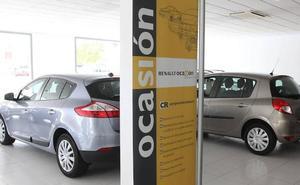 Las ventas de coches usados bajan un 8% en abril en Extremadura