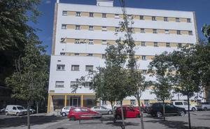 Vara apoyaría llevar el centro de salud Los Pinos de Badajoz a la residencia universitaria Juan XXIII