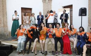Festín solidario en Cáceres y tarde de gala en la ESAD
