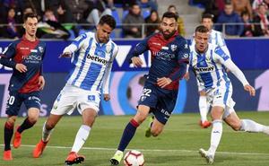 El Huesca se despide de Primera con un triunfo y doblete de Mantovani