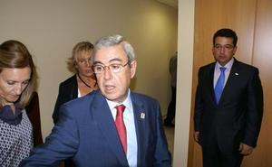 Amador Álvarez se retira de la política municipal tras cuarenta años como alcalde de Carrascalejo