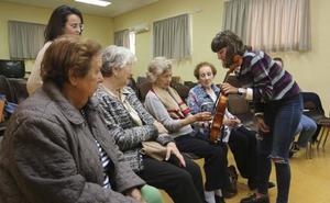 La música despierta recuerdos que borra el Alzheimer