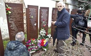 Memorial en el Cementerio de Cáceres pide a los partidos mayor compromiso