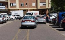 Los conductores reclaman más plazas de aparcamiento en Valdepasillas