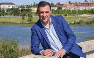 «Pediré que se suprima la Asamblea de Extremadura, que nos cuesta 14 millones»