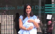 Begoña Villacís recibe el alta tras dar a luz a Inés, su tercera hija