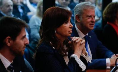 Cristina Fernández es juzgada por corrupción en plena campaña electoral