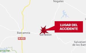 Una mujer de 62 años resulta herida en una salida de vía en Salvaleón