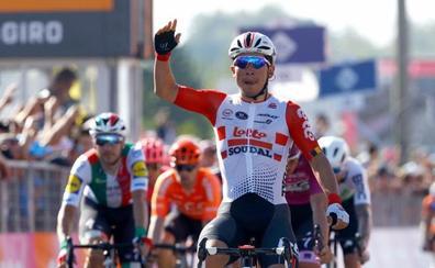 Nueva victoria de Caleb Ewan al sprint