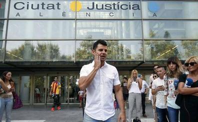 Julio Iglesias acepta someterse a la prueba de ADN si lo pide el juez