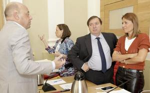 Pleno exprés en Cáceres a unas horas de abrir las urnas