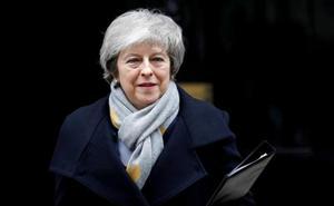 May mantiene su agenda a pesar de especulaciones sobre su dimisión