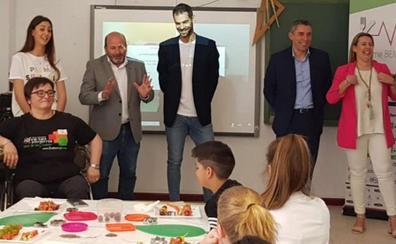 La Fundación Calderón lleva la fruta a los colegios
