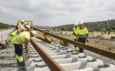 Adif adjudica por 32,3 millones obras de la plataforma del tren del tramo Casatejada-Toril