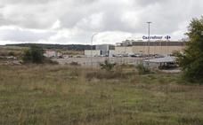 Dos agrupaciones urbanísticas pugnan por explotar en Cáceres el parque comercial junto a Carrefour