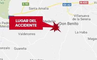 Dos heridos graves, uno de ellos una menor, en un accidente entre un coche una moto en Don Benito