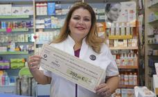 Una farmacéutica de Mérida gana un premio por un póster sobre inhaladores