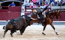 Burgos, Moura y Telles, a oreja por coleta