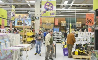 Bricor cierra la tienda de El Faro en Badajoz y reubica a sus 24 trabajadores