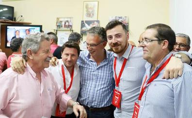 Quintana revalida la alcaldía en Don Benito y Ciudadanos rompe el bipartidismo