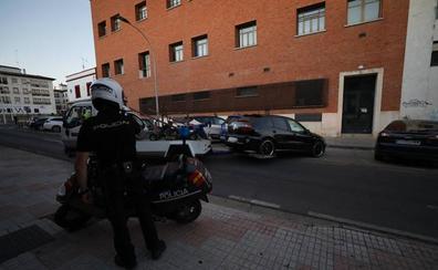 Dos detenidos con 3 kilos de hachís en un coche y un tercer sospechoso huye a pie en Mérida
