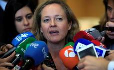 Calviño responde al Banco de España que las familias «no pueden ahorrar» porque no llegan a fin de mes