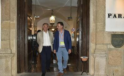 Vox se queda a medias en Extremadura