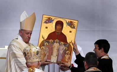 El Papa pide perdón a la comunidad gitana por su discriminación y maltrato