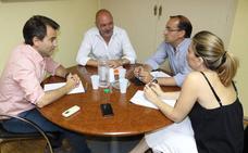PP y Ciudadanos abren la ronda de negociaciones para gobernar Cáceres