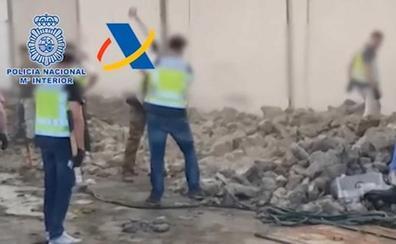Once detenidos e intervenida una tonelada de cocaína oculta en falsas piedras