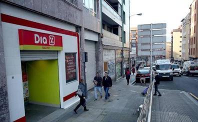 Dia cerrará tres de sus grandes supermercados en Badajoz capital
