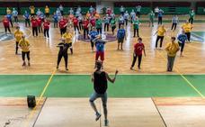 220 mujeres cierran su curso de gimnasia en Plasencia